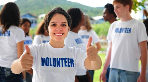 teen-volunteer-752x4831-1.jpg